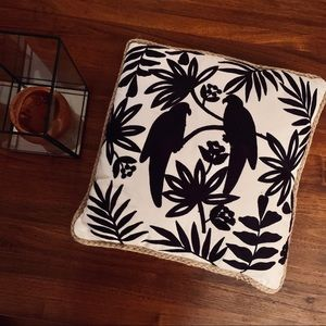 Bird motif 20x20 pillow black and white